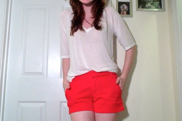Red Shorts, White Tees, and Blue Stripes. - Fashables
