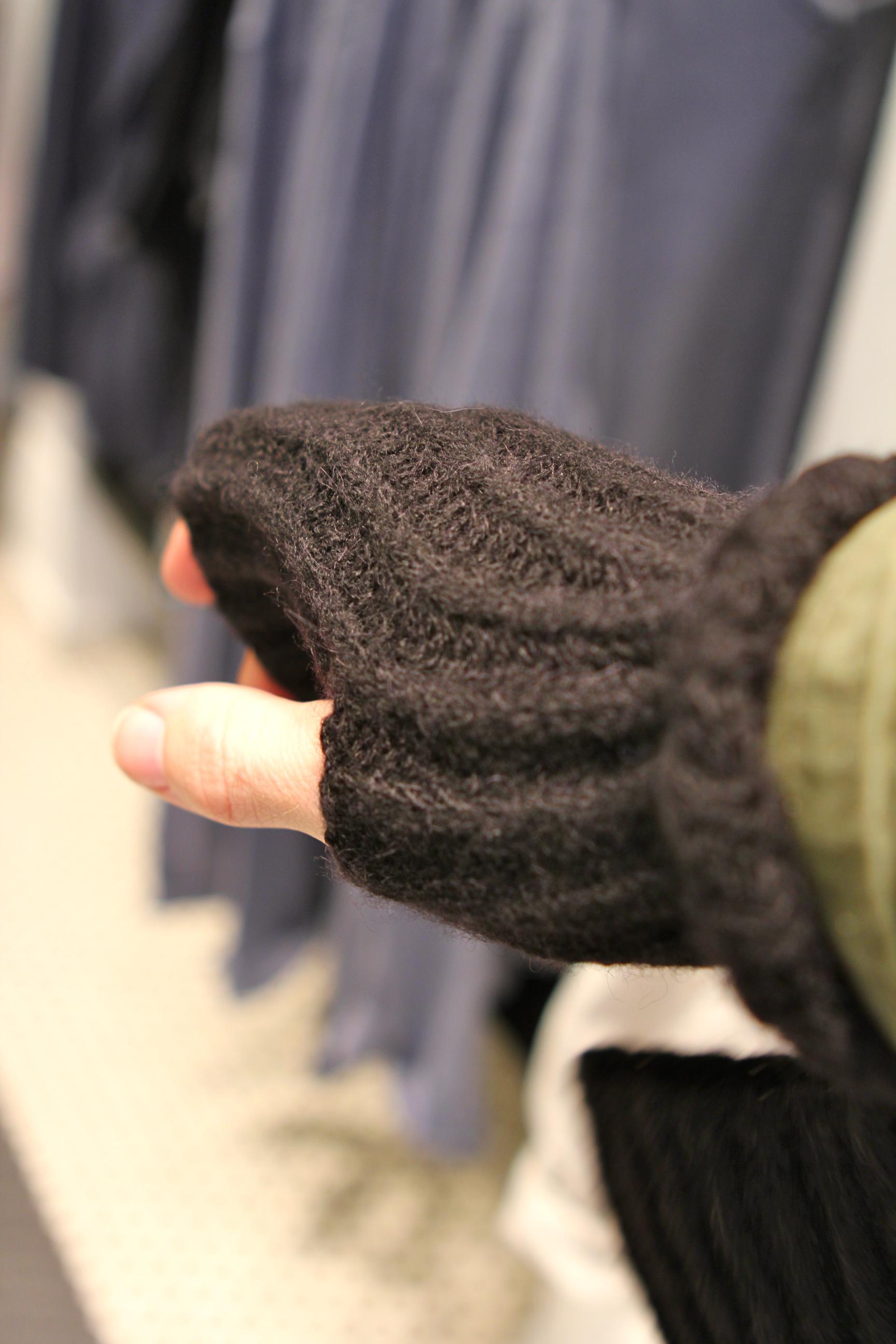 Club Monaco Gloves - fashables