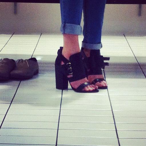 Givenchy double buckle sandaljpg