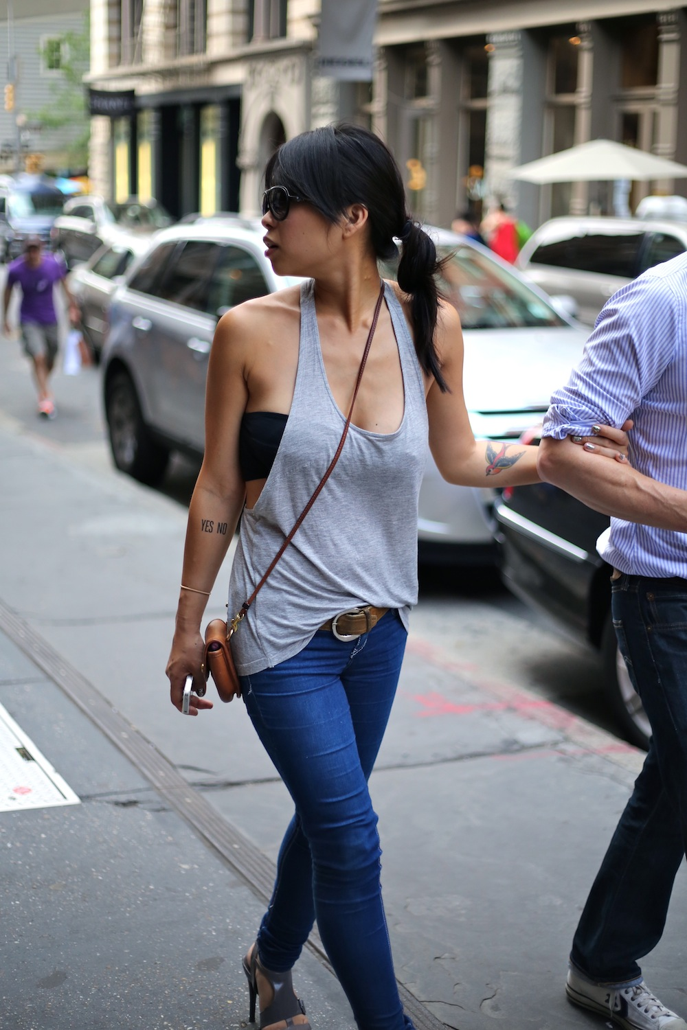 How to wear a tube top without a strapless bra